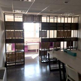 Μεταλλική βιβλιοθήκη Μεταλλικό διαχωριστικό Μεταλλικό γραφείο έπιπλα, Σεράφειο